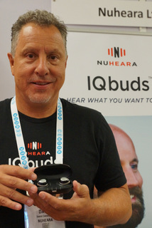 NuHeara CEO David Cannington with IQbuds (Techstination photo by L. Fishkin)