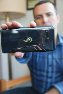 Randall Grilli of ASUS with upcoming ROG Phone (Techstination photo by L. Fishkin)