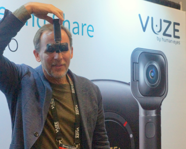 HumanEyes' Jim Malcolm with VUZE XR (Techstination photo by L. Fishkin)